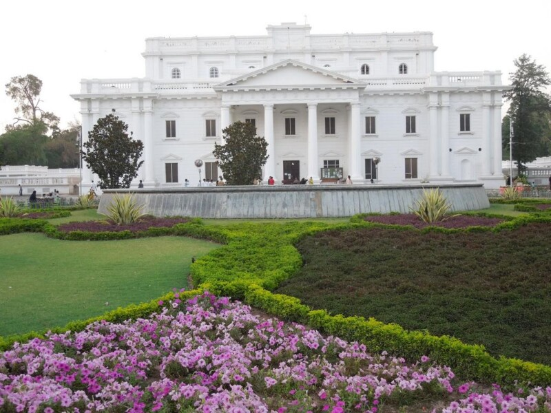 bagh e jinnah dating In bagh-e-jinnah, all the works are site-specific and internalize the essence of the garden the ones that stood out were works by mehreen murtaza.