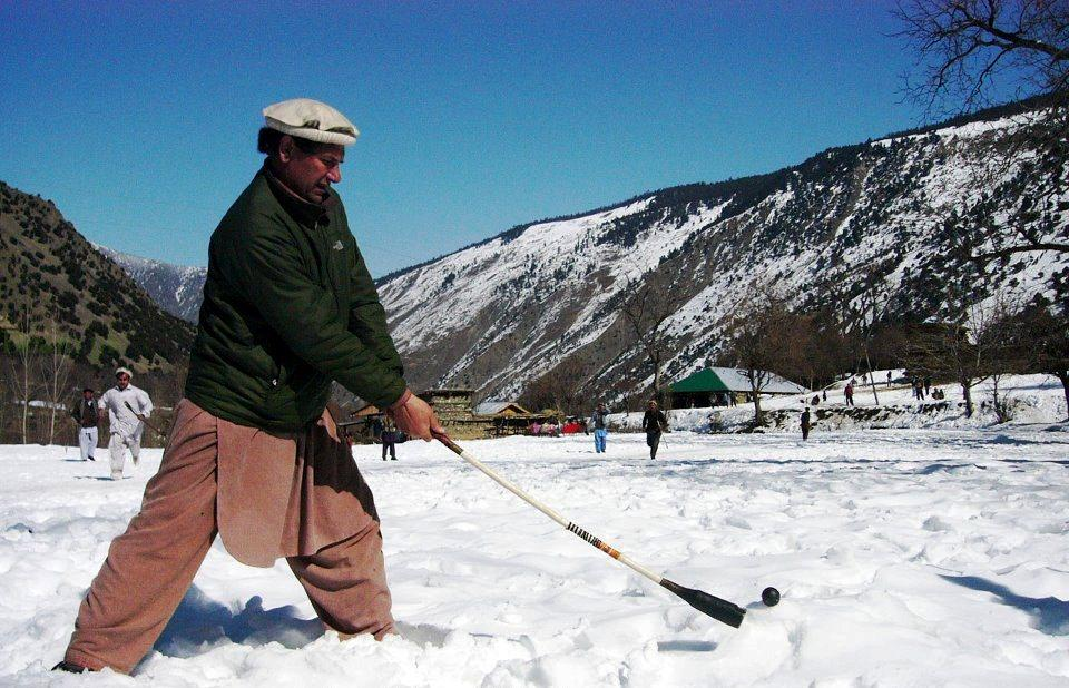 how to play snow golf