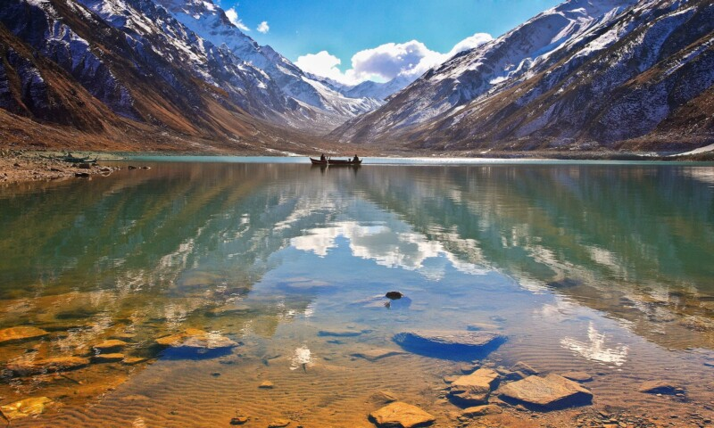 tourists, Top 5 Destinations for Tourists in Kaghan Valley