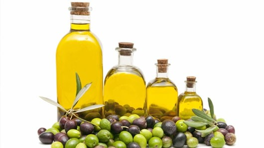 oils, 3 Anti-Aging Oils to Get Younger Looking Skin