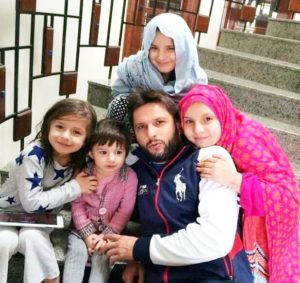 Shahid Khan Afridi, Complete Biography of Shahid Khan Afridi – Personal and Professional Life