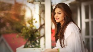 Zara Noor Abbas, All You Need to Know about Model and Actress Zara Noor Abbas